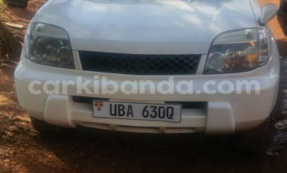 Buy Used Nissan X–Trail White Car in Kampala in Uganda