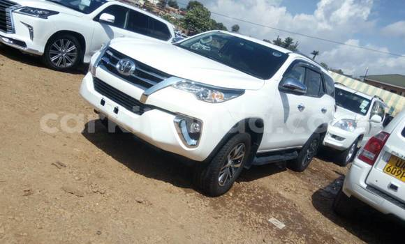 Buy Used Toyota Fortuner White Car in Kampala in Uganda
