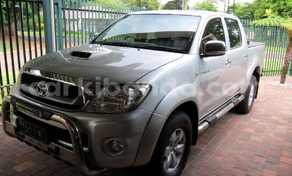Buy Used Toyota Hilux Silver Car in Kampala in Uganda