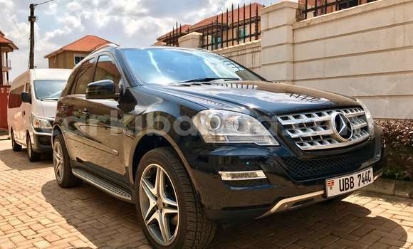 Buy Used Mercedes Benz ML-Class Black Car in Kampala in Uganda