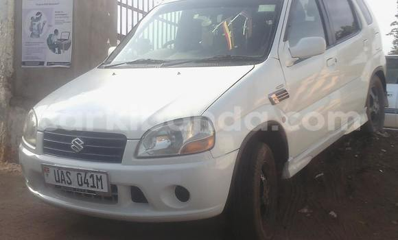 Buy Used Suzuki Swift White Car in Arua in Uganda