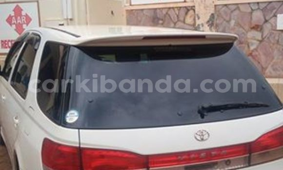 Buy Used Toyota Vista White Car in Busia in Uganda