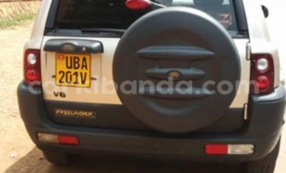 Buy Used Land Rover Freelander Silver Car in Kampala in Uganda