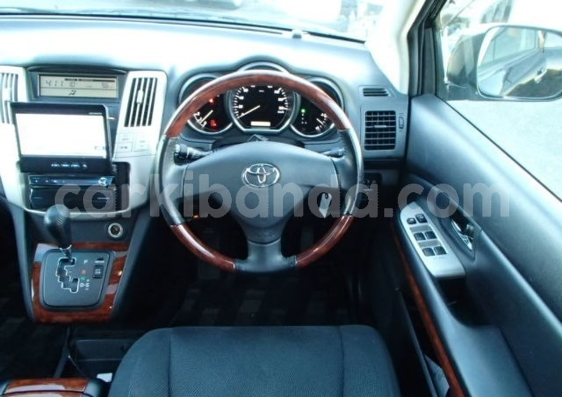 Big with watermark toyota harrier uganda kampala 10217