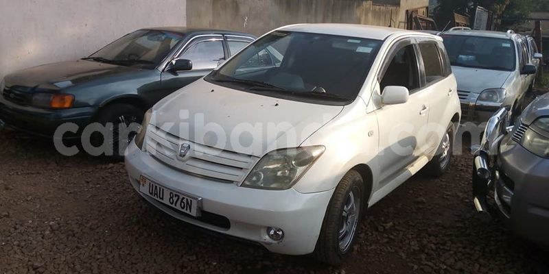 Big with watermark toyota ist northern adjumani 10340