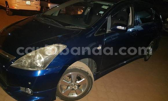 Acheter Occasion Voiture Toyota Wish Bleu à Kampala au Ouganda